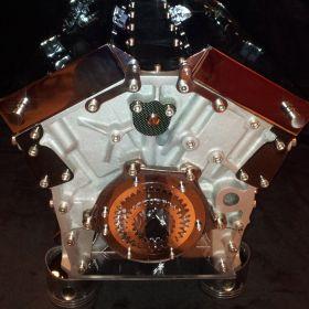 British V12 – alu & chrome